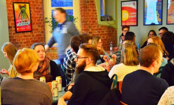 QUIZ NIGHT 04 2016